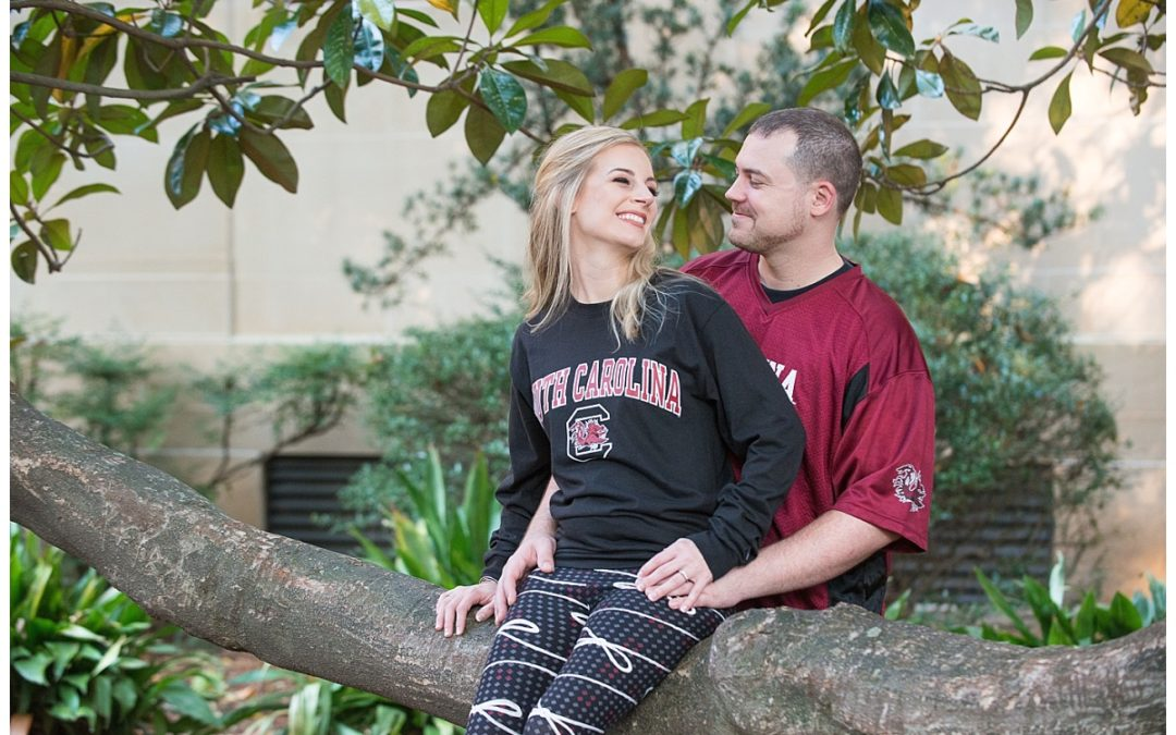 Melissa & Josh- USC Horseshoe Engagement Session